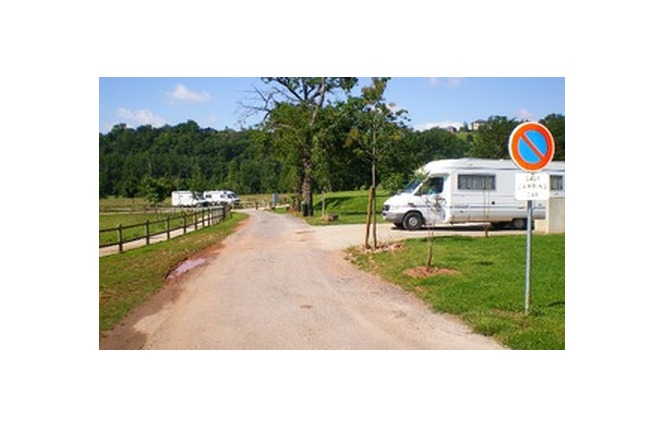Aire municipale de service pour camping-car 1 - Rodez