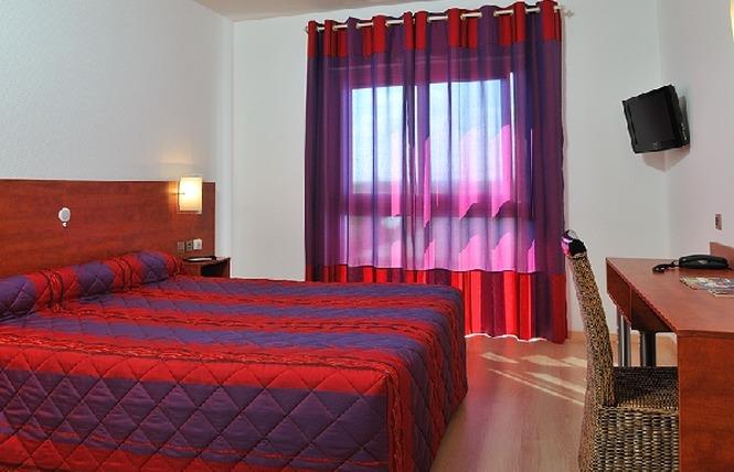 HOTEL LES PEYRIERES 4 - Olemps