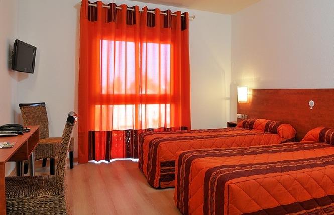 HOTEL LES PEYRIERES 5 - Olemps